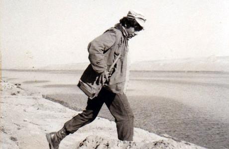 חורף 1973: מחבר הספר מעבר לתעלה